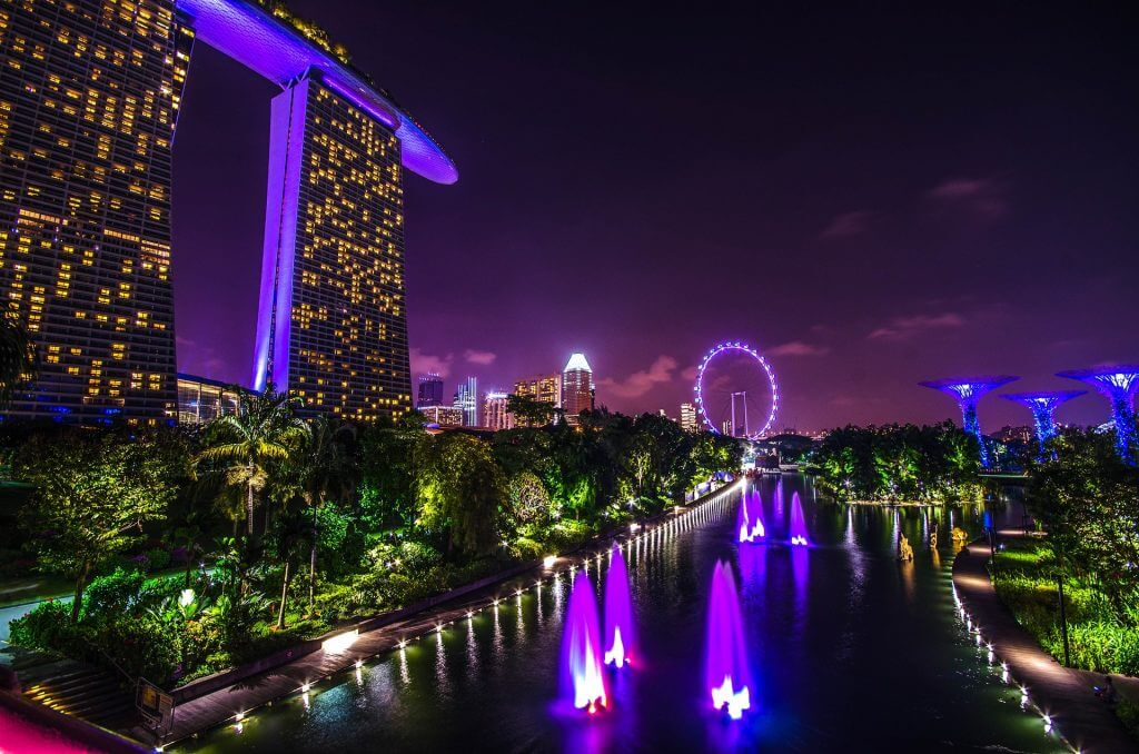 7 Airports with FREE LAYOVER Tours (Updated 2019) Singapore-nighttime-1024x678