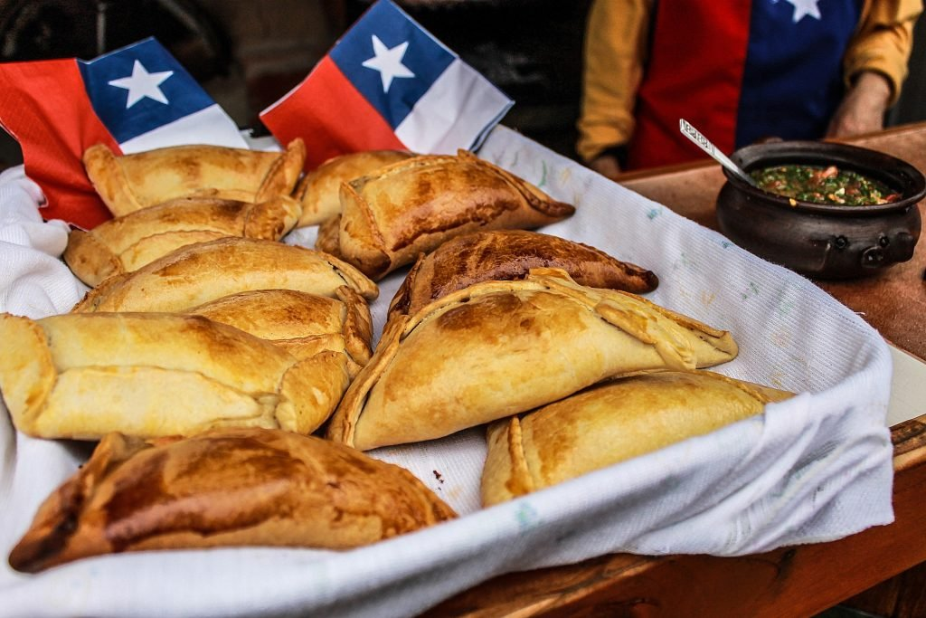 empanada cheap street food